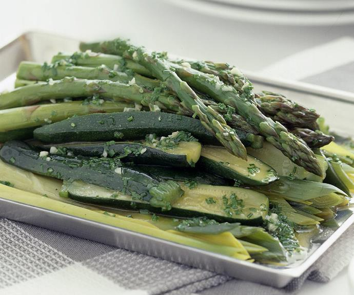 Leeks, zucchini and asparagus with chive butter