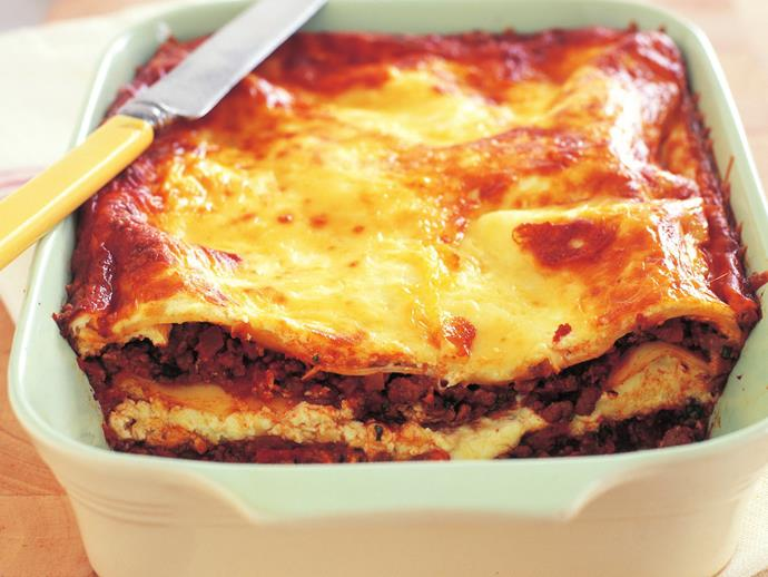 """**[Quick and easy lasagne](https://www.womensweeklyfood.com.au/recipes/quick-and-easy-lasagne-6339