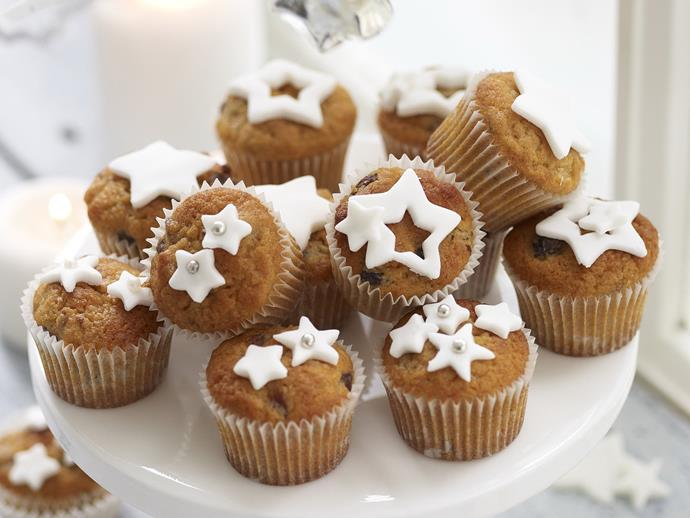 "**[Mini fruit mince cakes](https://www.womensweeklyfood.com.au/recipes/mini-fruit-mince-cakes-23944|target=""_blank"")**  You can whip up these mini fruit mince cupcakes in a flash with just 15 minutes baking time. They're a great addition to a festive spread at Christmas, and a welcome treat all year round!"
