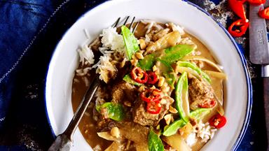 Coconut curried beef
