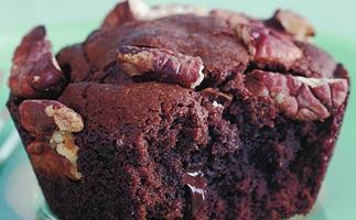 Pecan and chocolate brownies