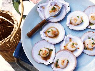 Scallops with ginger and lemongrass
