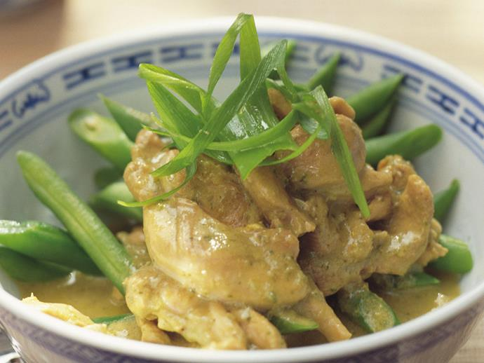 """This class [Thai green chicken curry](https://www.womensweeklyfood.com.au/recipes/thai-green-chicken-curry-6857 target=""""_blank""""), made with freshly prepared green curry paste, is a revelation; fragrant, spicy, creamy and delicious. Serve with steamed rice and lime wedges."""