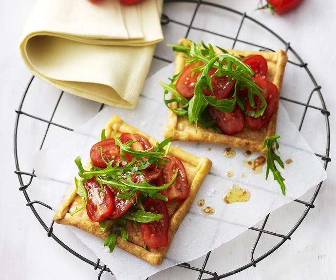 Tomato- and rocket tarts