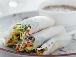 12 delicious filling ideas for rice paper rolls