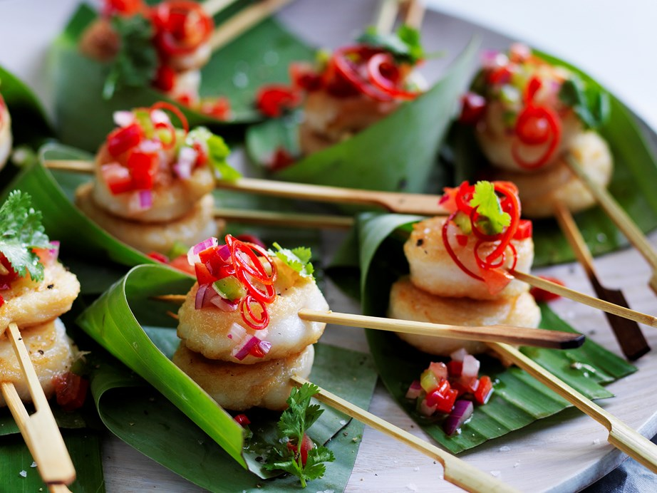 "**[Fish scrolls with capsicum salsa](https://www.womensweeklyfood.com.au/recipes/fish-scrolls-with-capsicum-salsa-28733|target=""_blank"")** <br><br> These delicious fish scrolls are beautiful topped with a zesty capsicum salsa - healthy, fresh and super tasty! They make the perfect finger food for dinner parties."