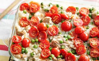 Oven-baked tuna risotto