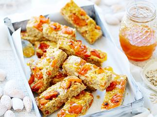Apricot and almond muesli slice