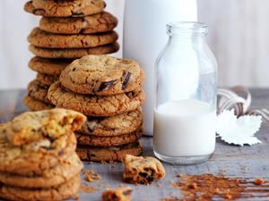 Easy choc-chip biscuit recipes