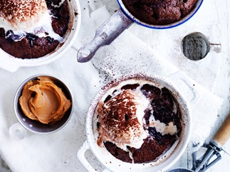 Chocolate and dulce de leche puddings