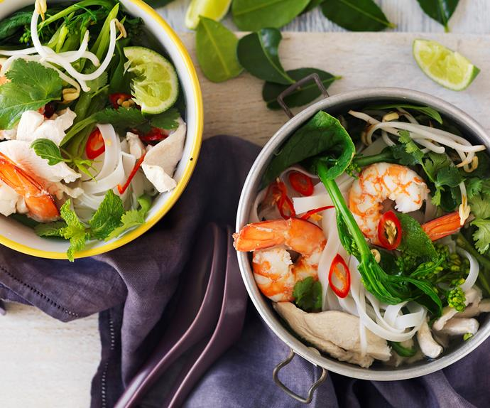 hot and sour prawn and chicken soup