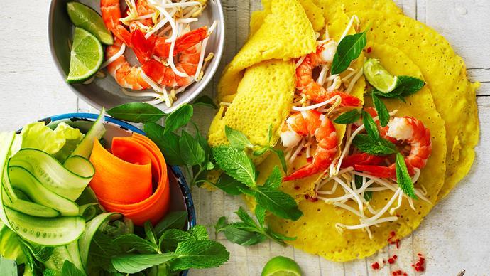 vietnamese pancakes with prawns