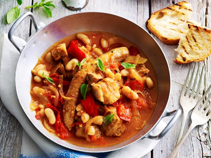 "**[Slow-cooker Italian pork and capsicum ragu](https://www.womensweeklyfood.com.au/recipes/slow-cooker-italian-pork-and-capsicum-ragu-28969|target=""_blank"")**  Packed full of flavour, this hearty meat dish is delicious served up for the family on a cool Winter's evening. Tender Italian sausages go beautifully with this flavoursome capsicum ragu, to create a hearty, warming dish."