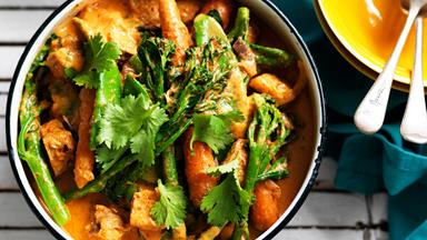 Red tofu curry