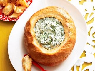 Cob loaf spinach dip