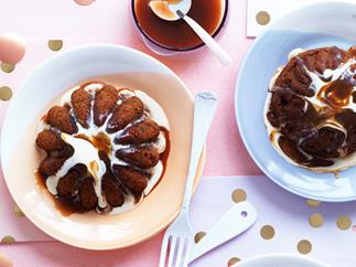 Sticky toffee date puddings