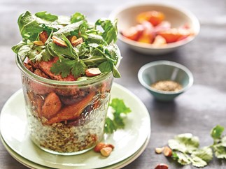 Spiced steak with carrot and quinoa salad jar