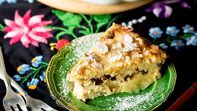 Russian apple cheesecake