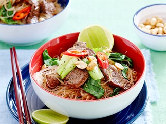 Lemon grass beef, rice noodle and peanut salad