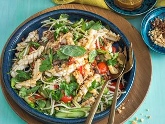 Green mango and squid salad