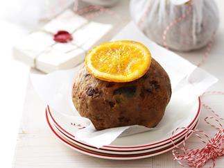 Mini boiled Christmas puddings