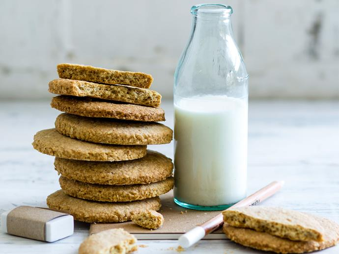 "Add some fibre-packed bran into these [tasty oat cookies](http://www.foodtolove.com.au/recipes/oat-and-bran-biscuits-27211|target=""_blank"") for a filling mid-morning snack."