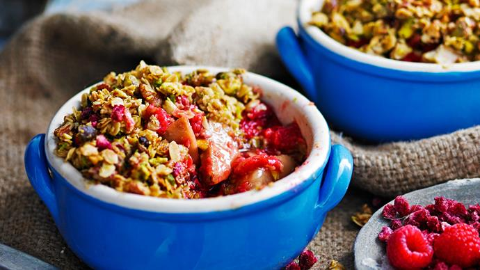 Ginger, pear and pistachio crumbles