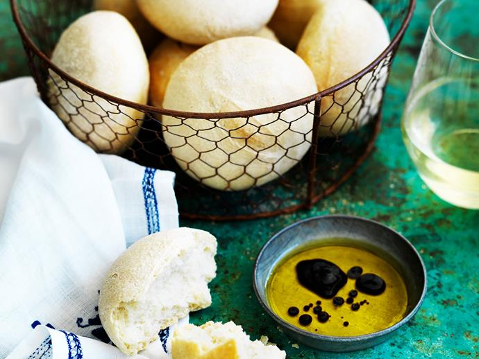 "**[Ciabatta dinner rolls](https://www.womensweeklyfood.com.au/recipes/ciabatta-dinner-rolls-29240|target=""_blank"")** Ciabatta dinner roles are perfect alongside soup, stews or casseroles to mop up the juices, or with olive oil and balsamic vinegar for dipping."