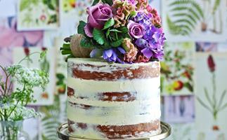 Beautiful bouquet cake