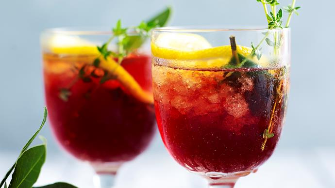 "Mulled ""wine"" mocktail"