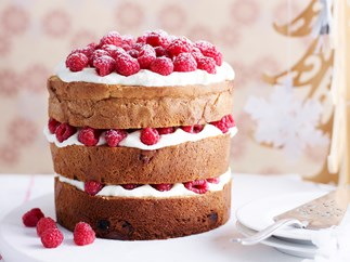 Panettone with mascarpone and raspberries
