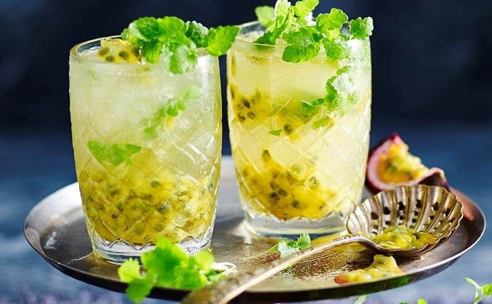 Passionfruit and pineapple spritzer