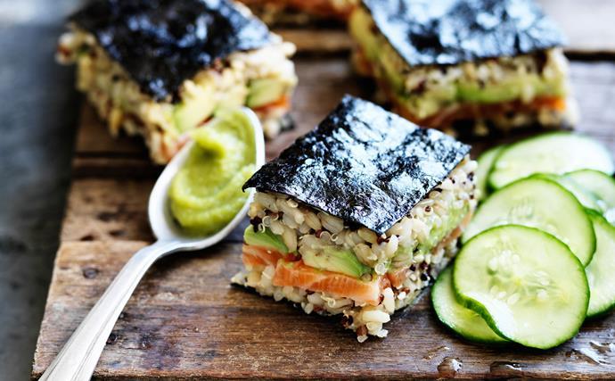 Spicy salmon mixed-grain sushi