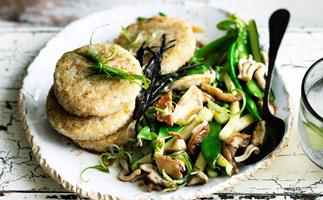 Rice cakes with zucchini and mushrooms