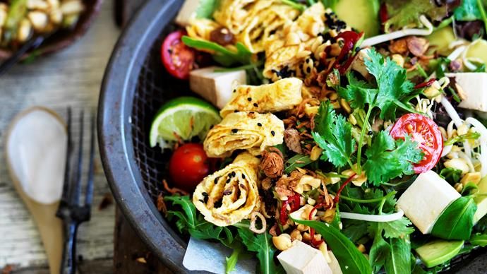 Smoked tofu salad with peanut dressing