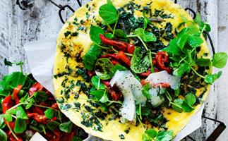 Silver beet omelette with capsicum salad