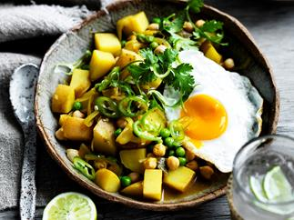 Sri Lankan potato and pea curry