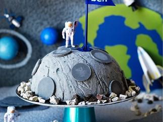 Moon landing ice-cream cake