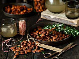 Garlic & herb almonds recipe