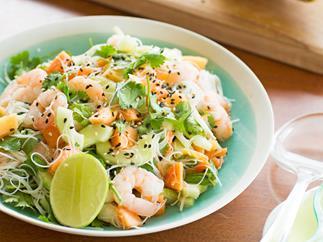 Prawn and pawpaw salad