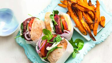 Beetroot & lentil burgers