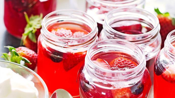 Berry juice jellies