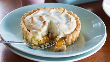 Tangy lemon meringue pies