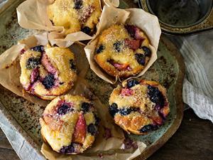 Little stone fruit & almond cakes
