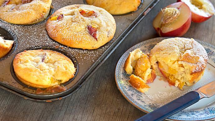 Nectarine and cardamom muffins