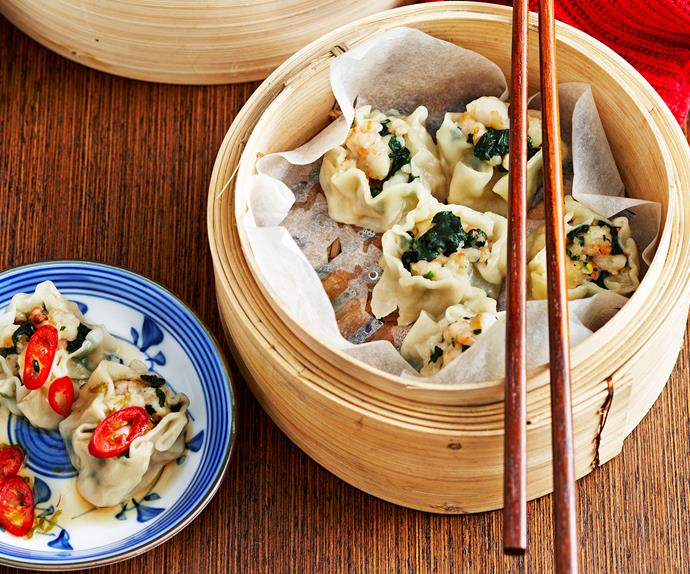 Steamed prawn and spinach dumplings