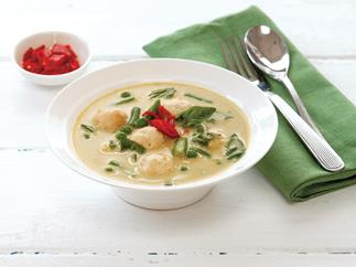 Green curry with chicken meatballs