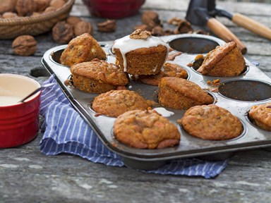 Little carrot and walnut cakes