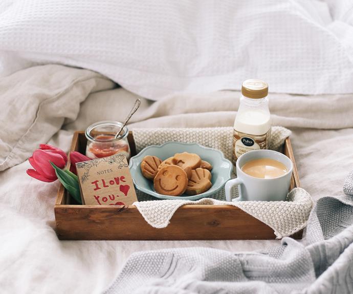 Gingerbread waffles with heavenly rhubarb yoghurt