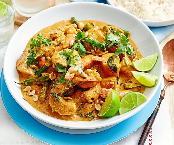 Massaman prawn and vegetable curry